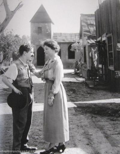 Charlie Chaplin and Helen Keller on the set of Sunnyside, 1918.