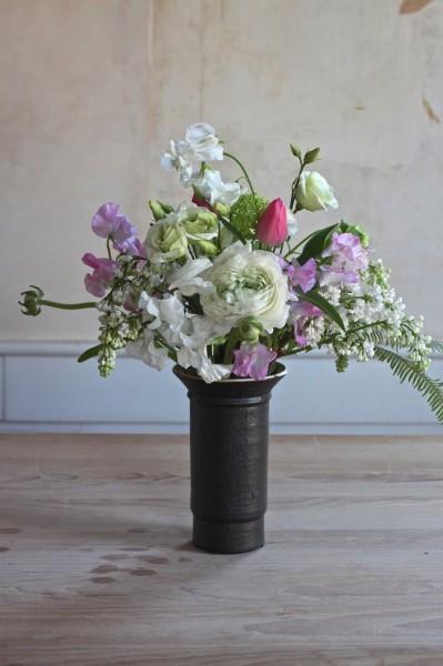 bouquet-sweetpeas-lilacs-tulip-gardenista